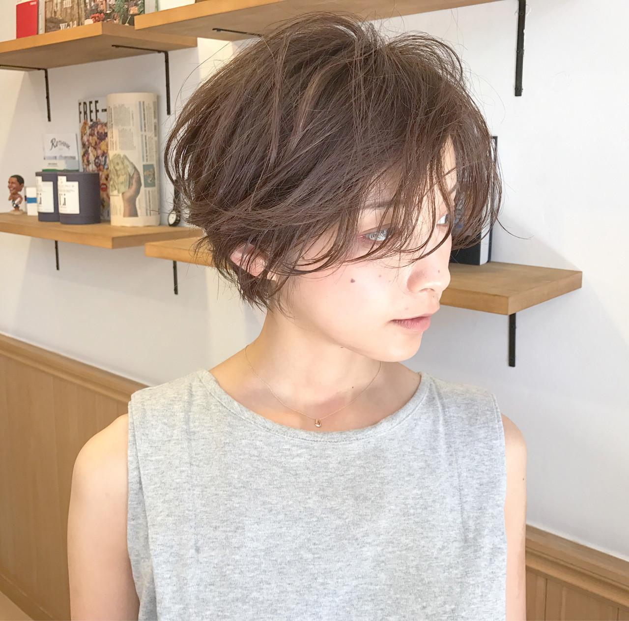 ショート 茶髪 パーマ