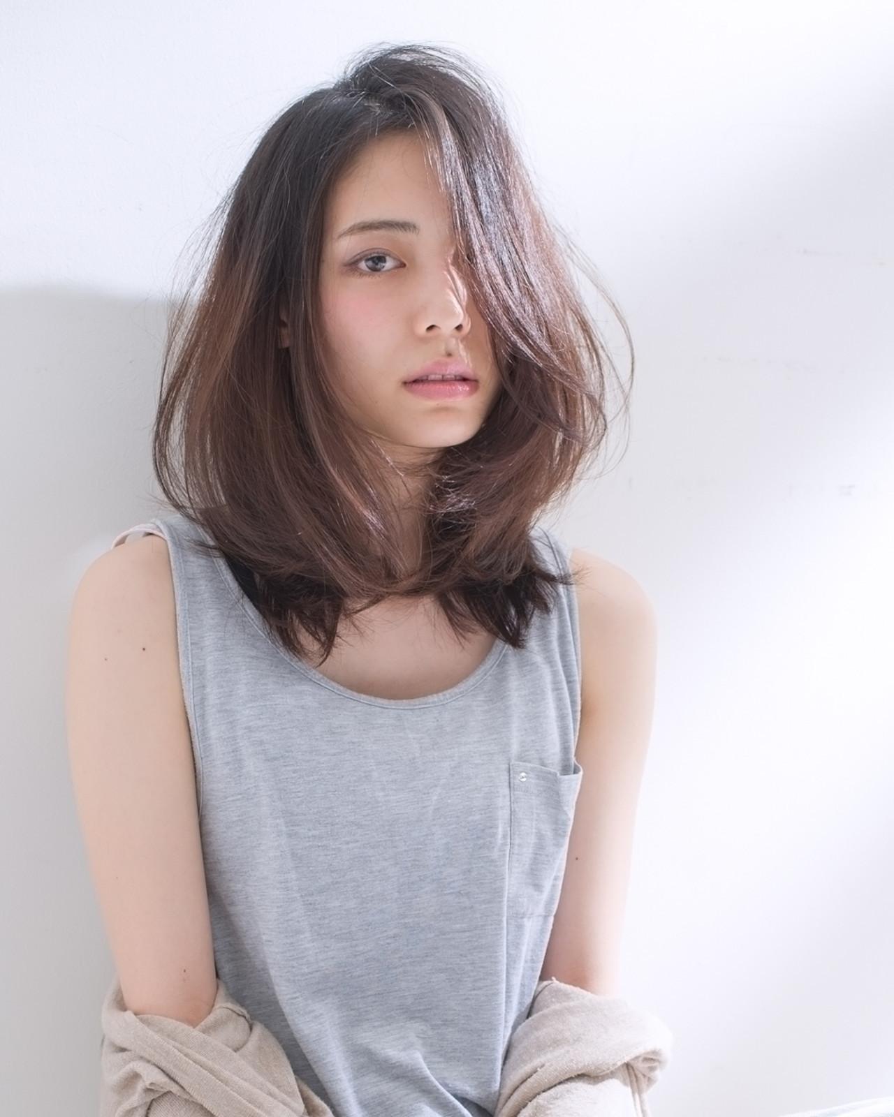 髪型 セミロング 前髪なし ストレート