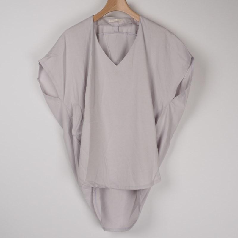 ラベンダーシャツでおフェロコーデ♡ 出典:airCloset
