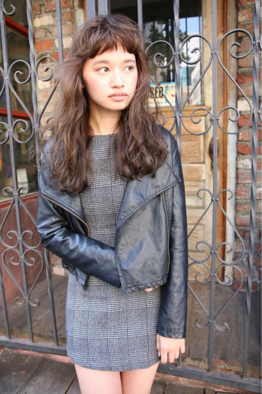 眉上前髪の人気が止まらな〜い!冬も人気な「ショートバングヘア」の魅力に迫ります! 津崎 伸二/nanuk