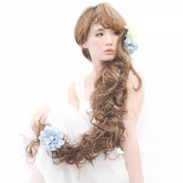 女の子はみんな大好き!お花を使ったヘアアレンジがかわいすぎる♡ 宮崎 真梨子/VOCEST!