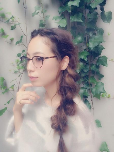 三つ編みに一工夫!前髪なしアレンジでイメチェンしよう! 伊藤沙織/apish jeno
