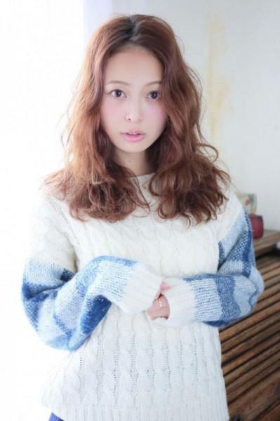 春ニットはどうやって着る?ニットをかわいく着こなすヘアスタイル特集♡ 榊本麻衣
