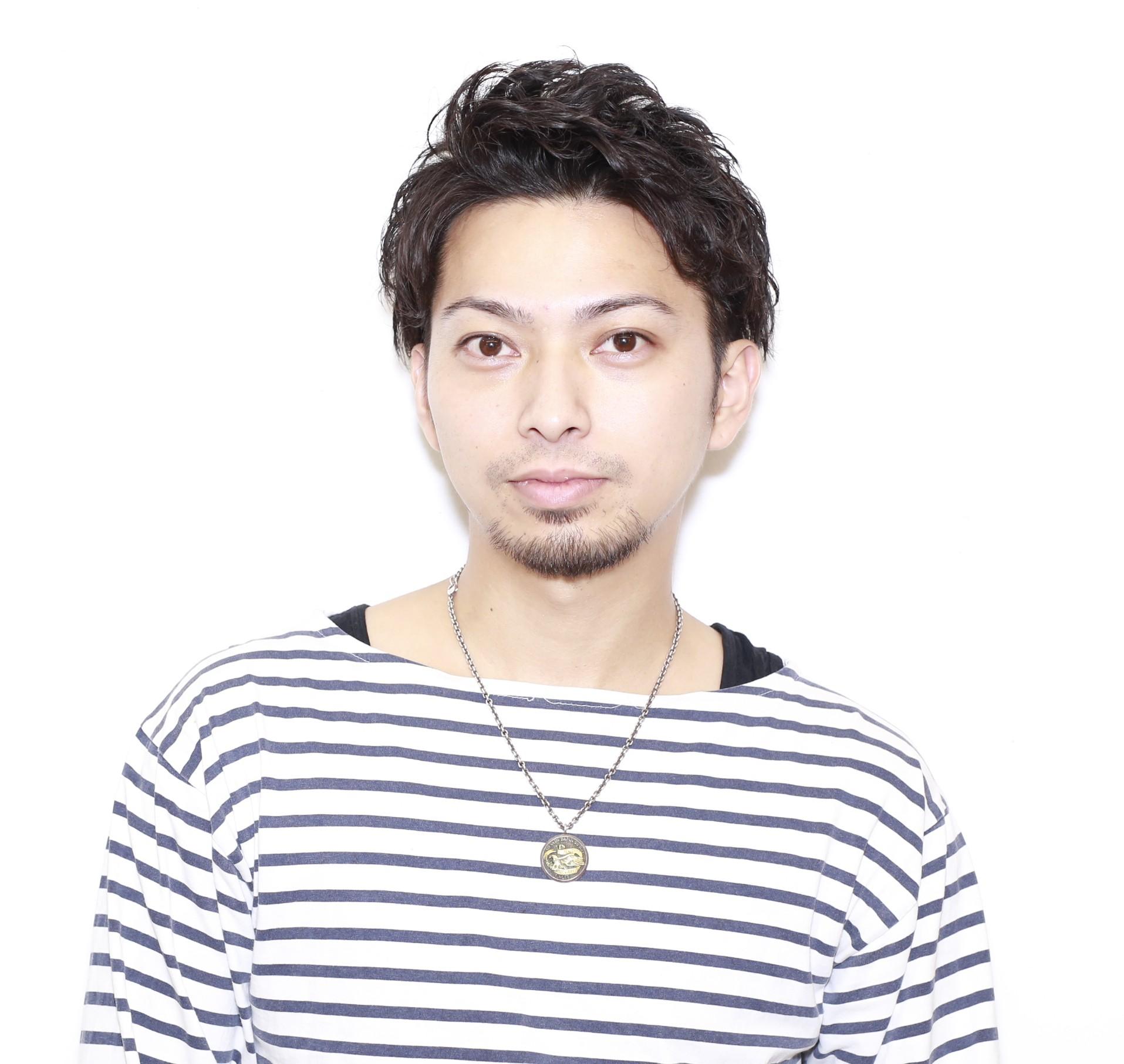 2つの顔を持つ美容師…!?髪のお悩みには朝倉さんが最適な答えをご提案♡