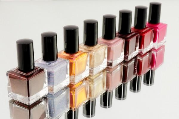 manicure-870857_960_720-600x400