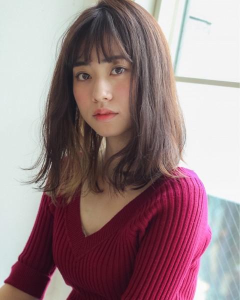 可愛さあふれる後姿はポニーテール×巻き髪で作れる Grow by GARDEN 細田