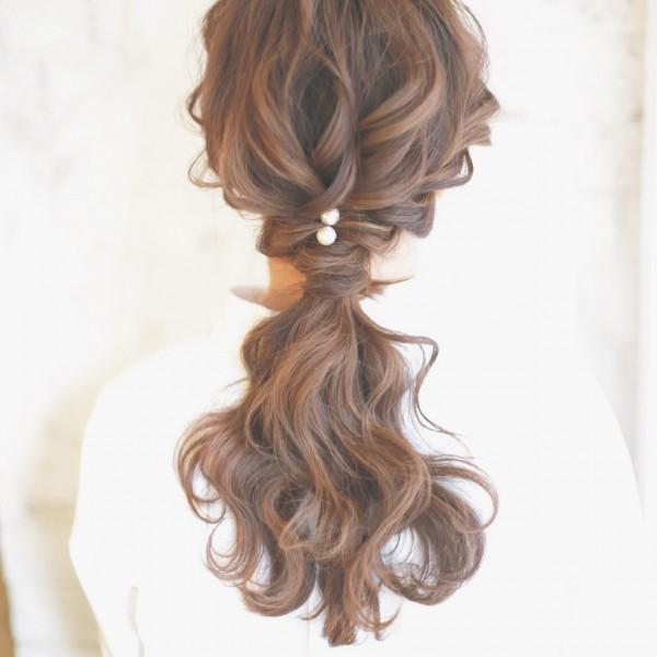 可愛さあふれる後姿はポニーテール×巻き髪で作れる 谷本将太 nalu hair