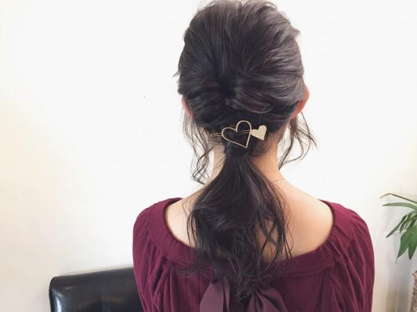 可愛さあふれる後姿はポニーテール×巻き髪で作れる 宍戸直樹