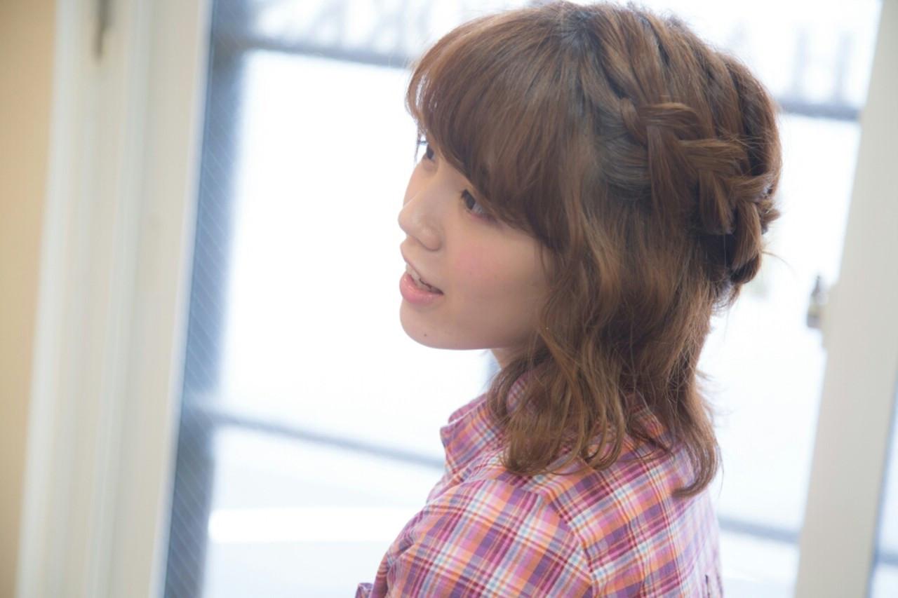 簡単ヘアアレンジ 編み込み 波ウェーブ ボブ ヘアスタイルや髪型の写真・画像