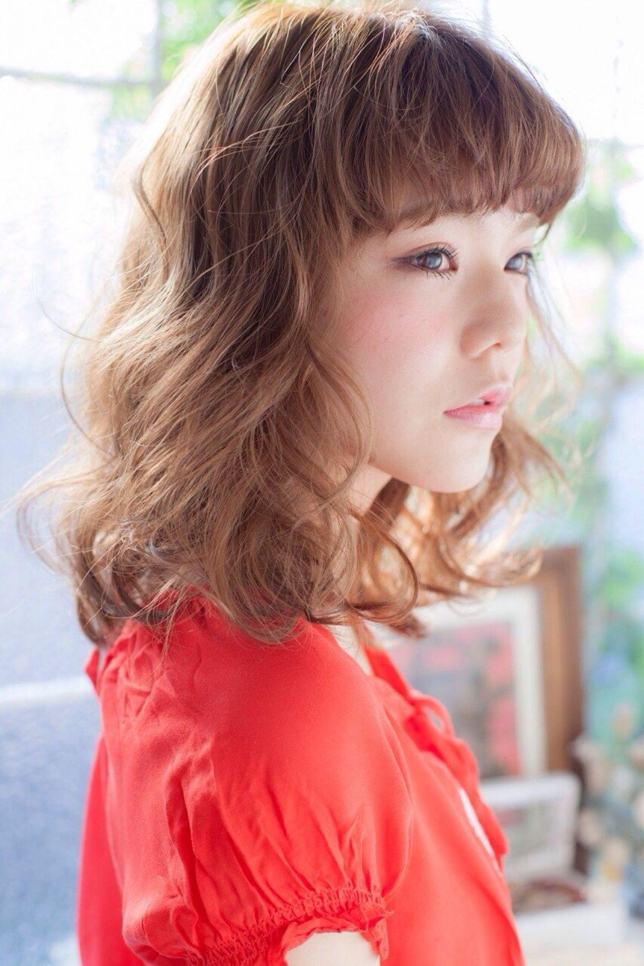 【中途半端から脱却!】ミディアムでできる巻き髪スタイル6選 長澤 メイ