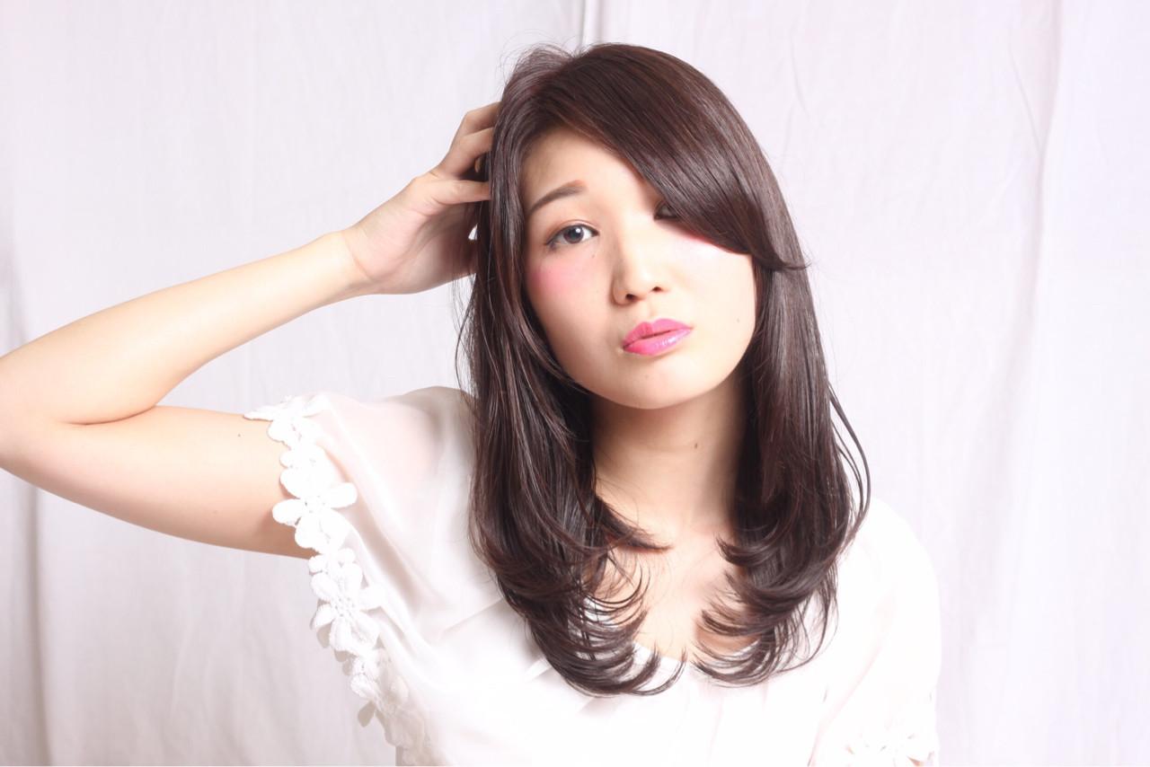 【中途半端から脱却!】ミディアムでできる巻き髪スタイル6選 三浦 恵里加