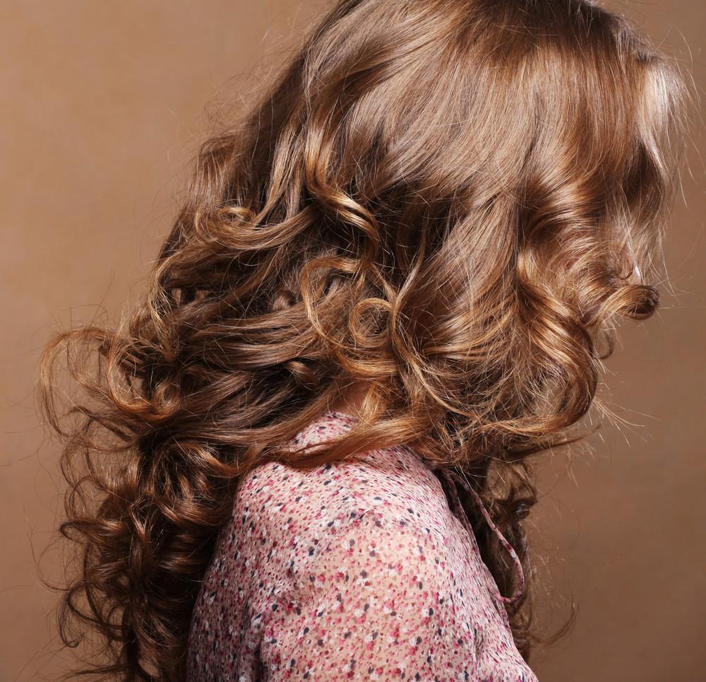 髪のボリュームが気になる人必見!毛先だけパーマで可愛くまとめる