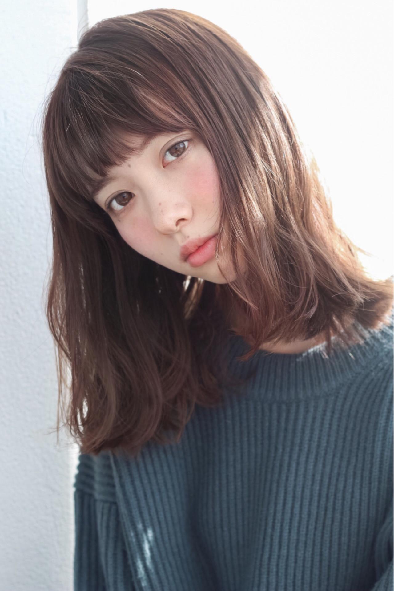 ストレートのセミロングは、前髪なしであか抜ける Grow by GARDEN 細田