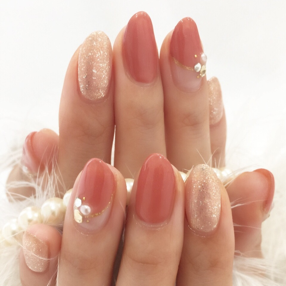 新生活はピンクで視線を奪う!さりげないのに可愛いシンプルピンクデザインネイル