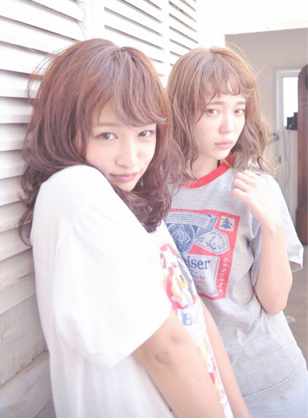 新たなトレンド前髪は、「ゆるふわフェザーバング」♡ 渡邊 涼