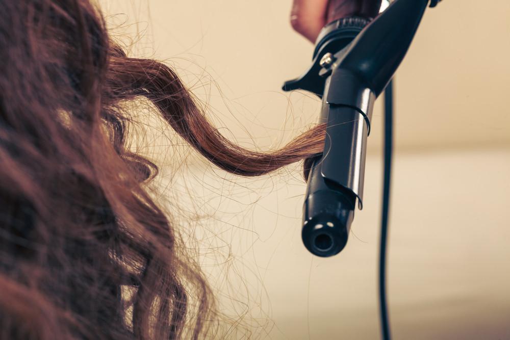 新たなトレンド前髪は、「ゆるふわフェザーバング」♡