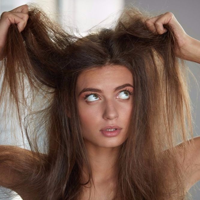 髪の毛の静電気を絶対起こしたくない!超効果的な除去グッズ厳選6選