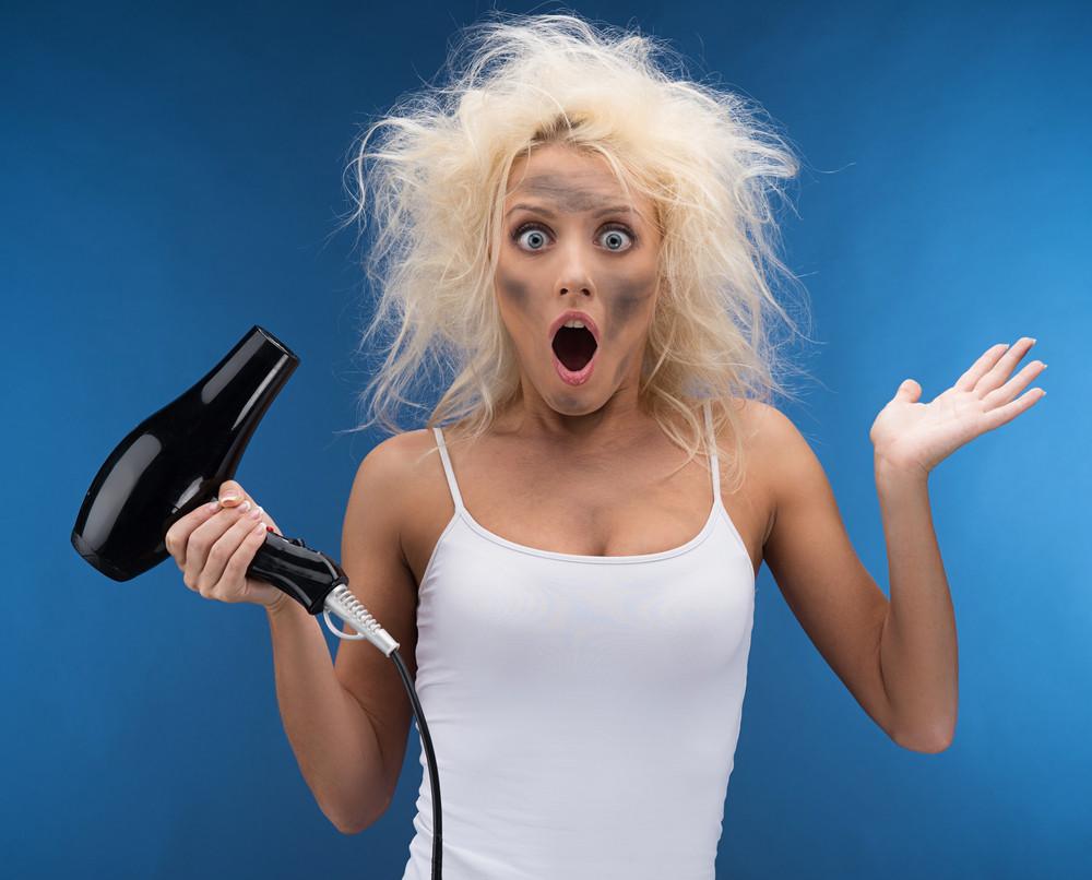 私生活から分かる枝毛の原因って?まだ間に合う正しいヘアケア方法