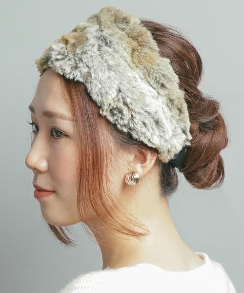 ヘアバンドを取り入れて、シーン選ばすグッとオシャレな髪型に♡ 出展:SMELLY