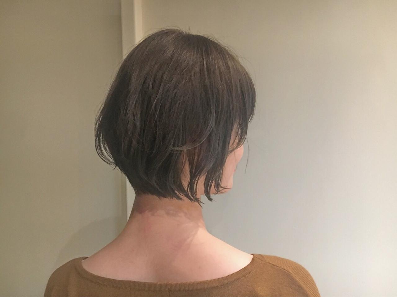 ナチュラル フェミニン ベージュ ショート ヘアスタイルや髪型の写真・画像