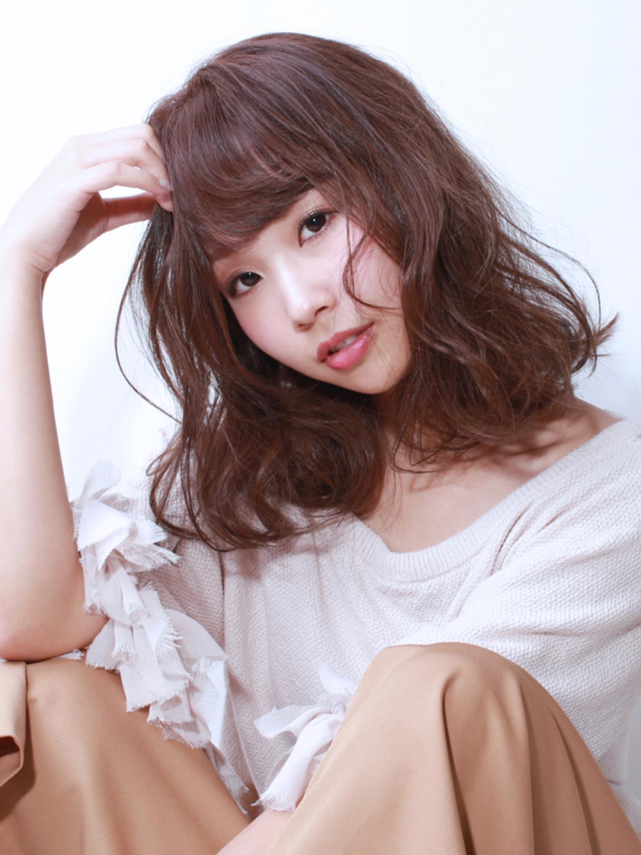ショコラブラウン ロブ 透明感 セミロング ヘアスタイルや髪型の写真・画像