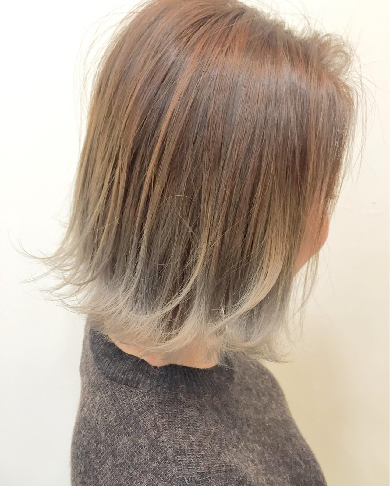 ブリーチ ボブ グラデーションカラー 外ハネ ヘアスタイルや髪型の写真・画像