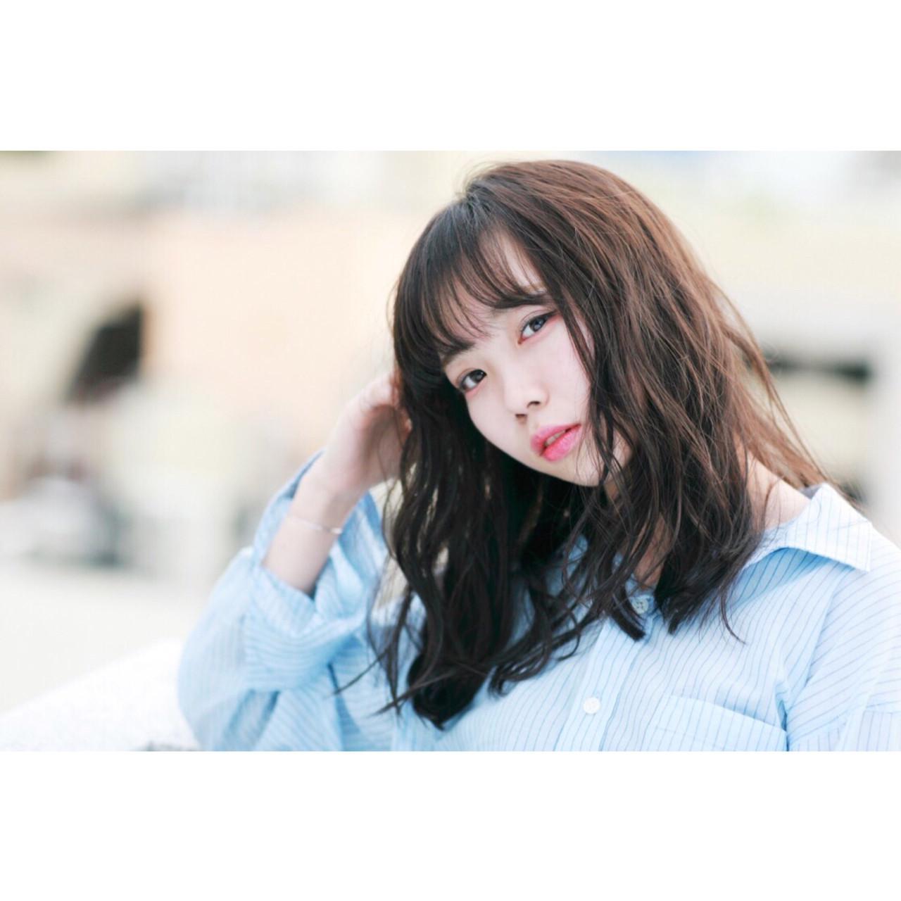 フェミニン シースルーバング ミディアム 秋 ヘアスタイルや髪型の写真・画像