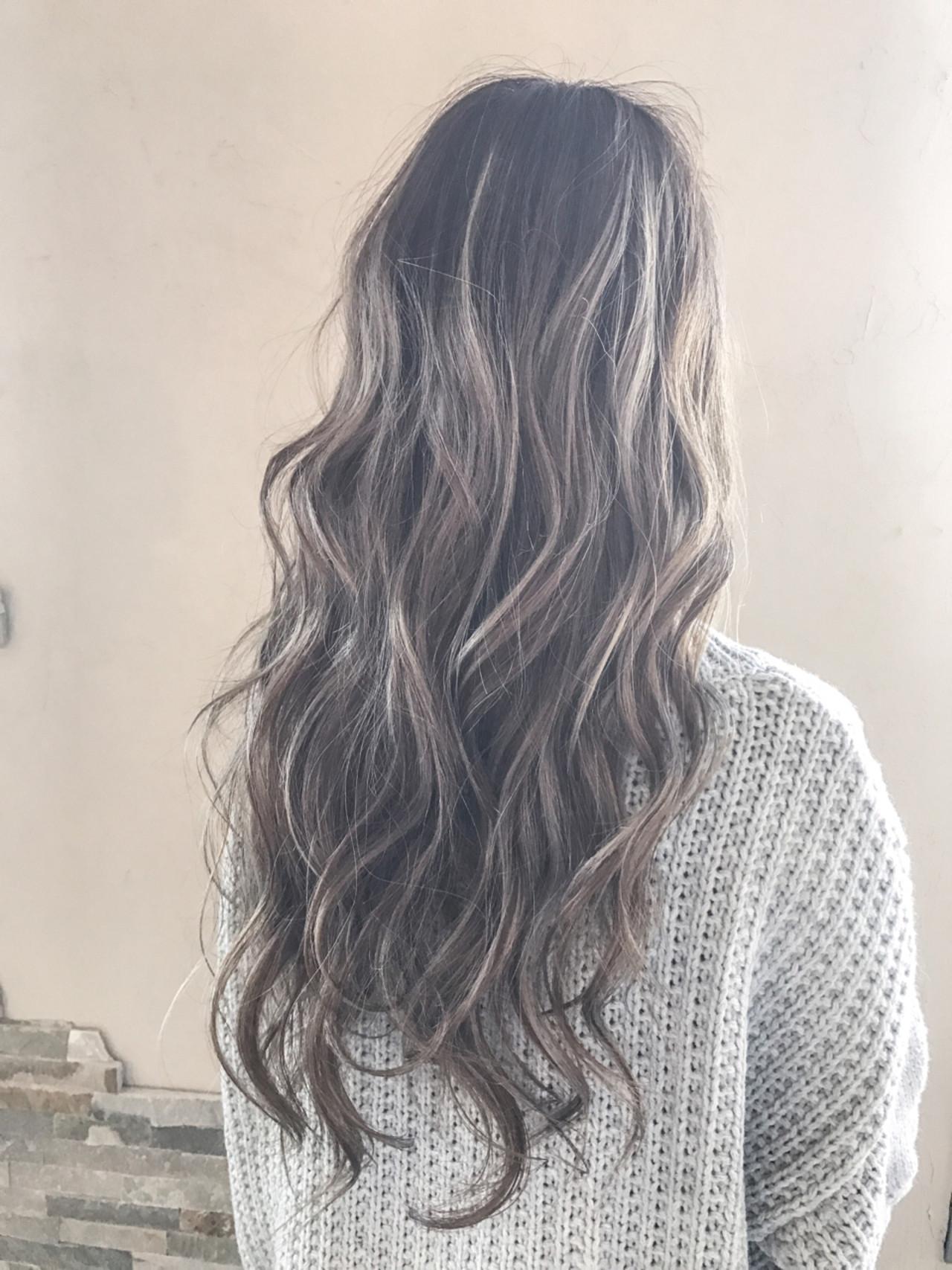 ロング バレイヤージュ エレガント 上品 ヘアスタイルや髪型の写真・画像