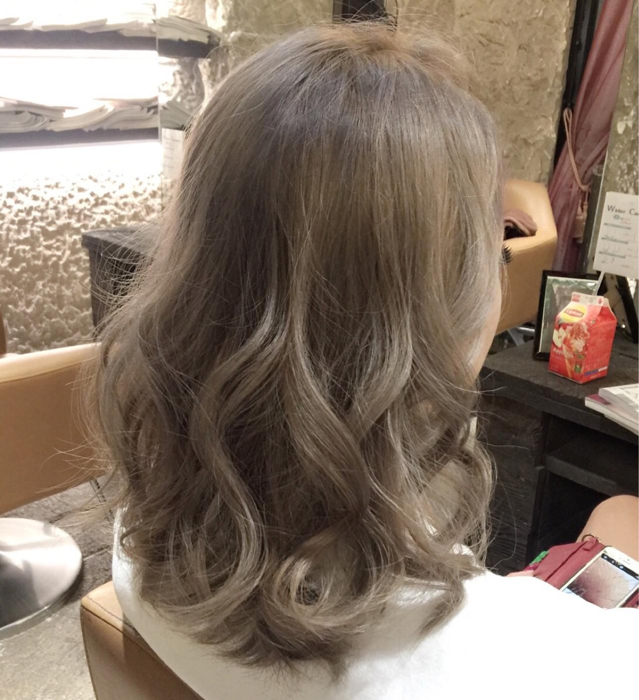 セミロング 渋谷系 ストリート アッシュ ヘアスタイルや髪型の写真・画像