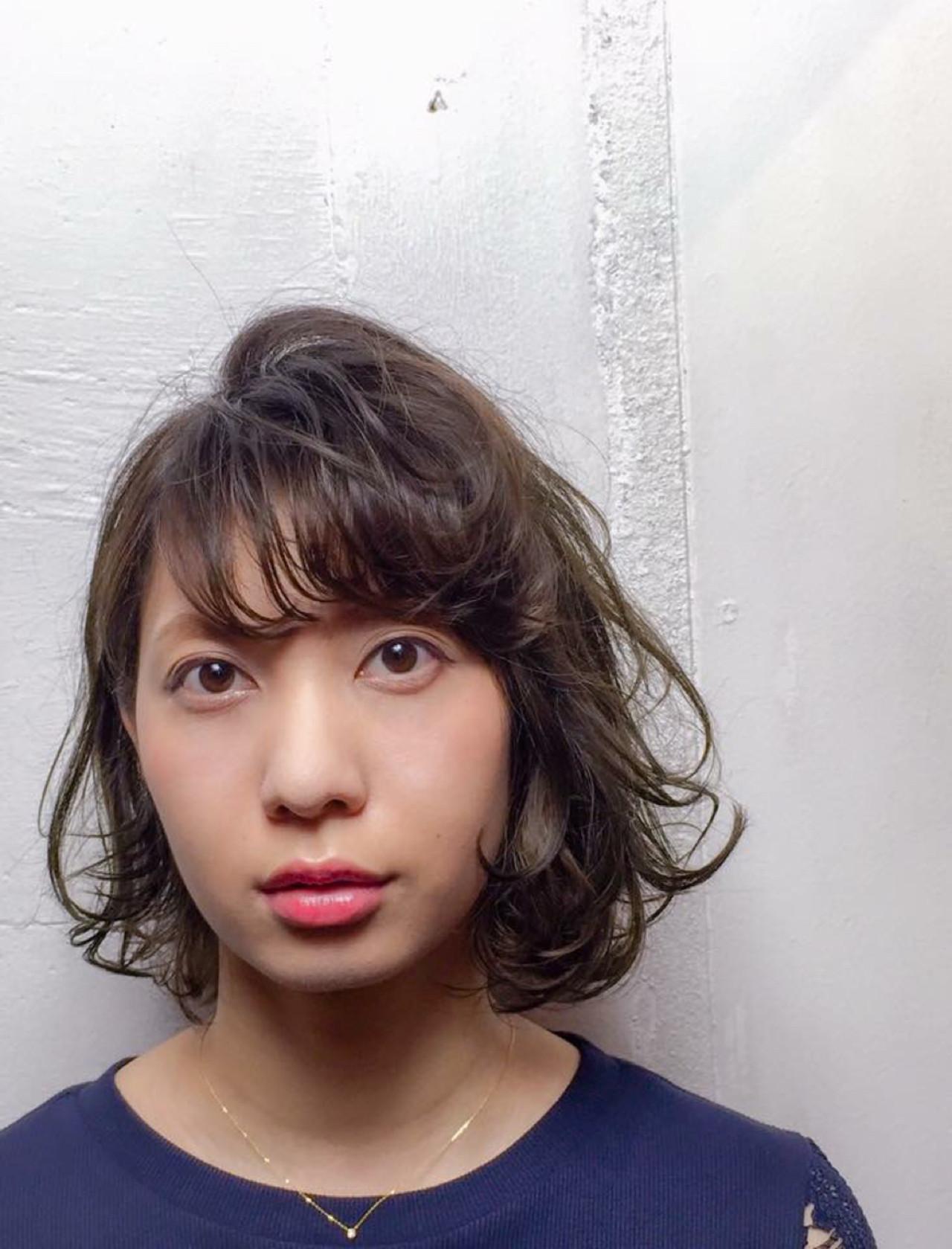 外国人風 カール アッシュ 大人かわいい ヘアスタイルや髪型の写真・画像