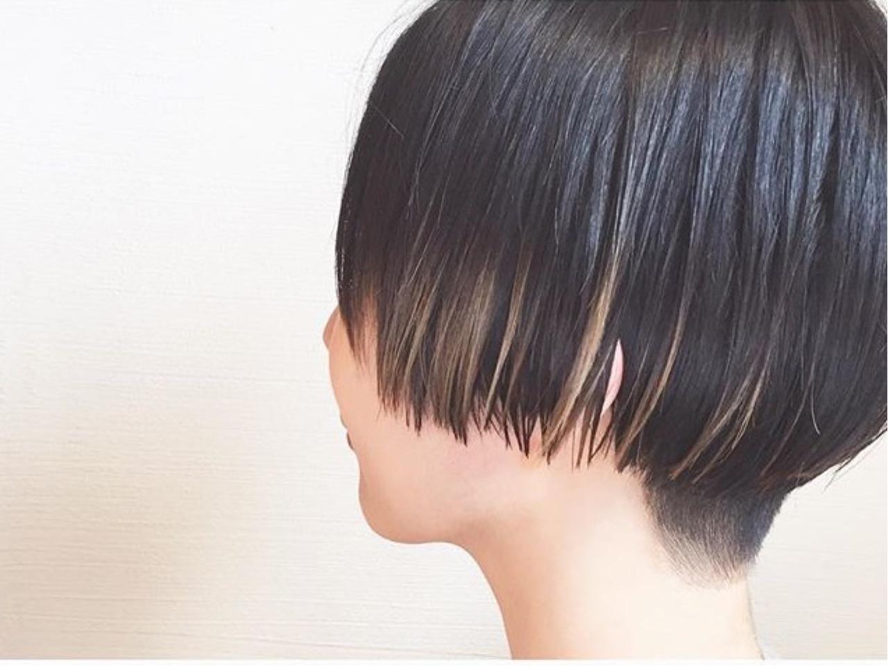 ハイライト ショート モード ダブルカラー ヘアスタイルや髪型の写真・画像
