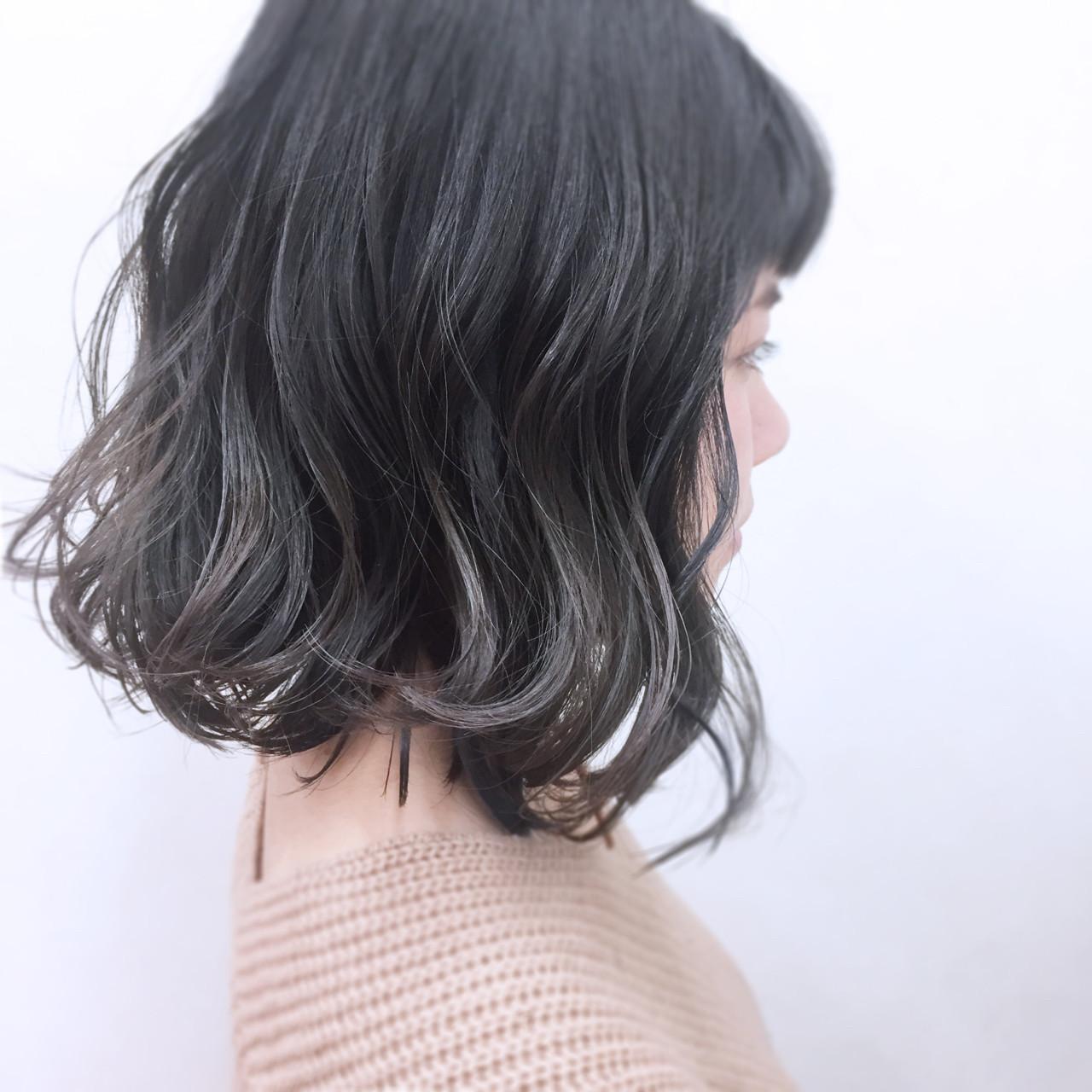 グラデーションカラー グレージュ 外ハネ ナチュラル ヘアスタイルや髪型の写真・画像