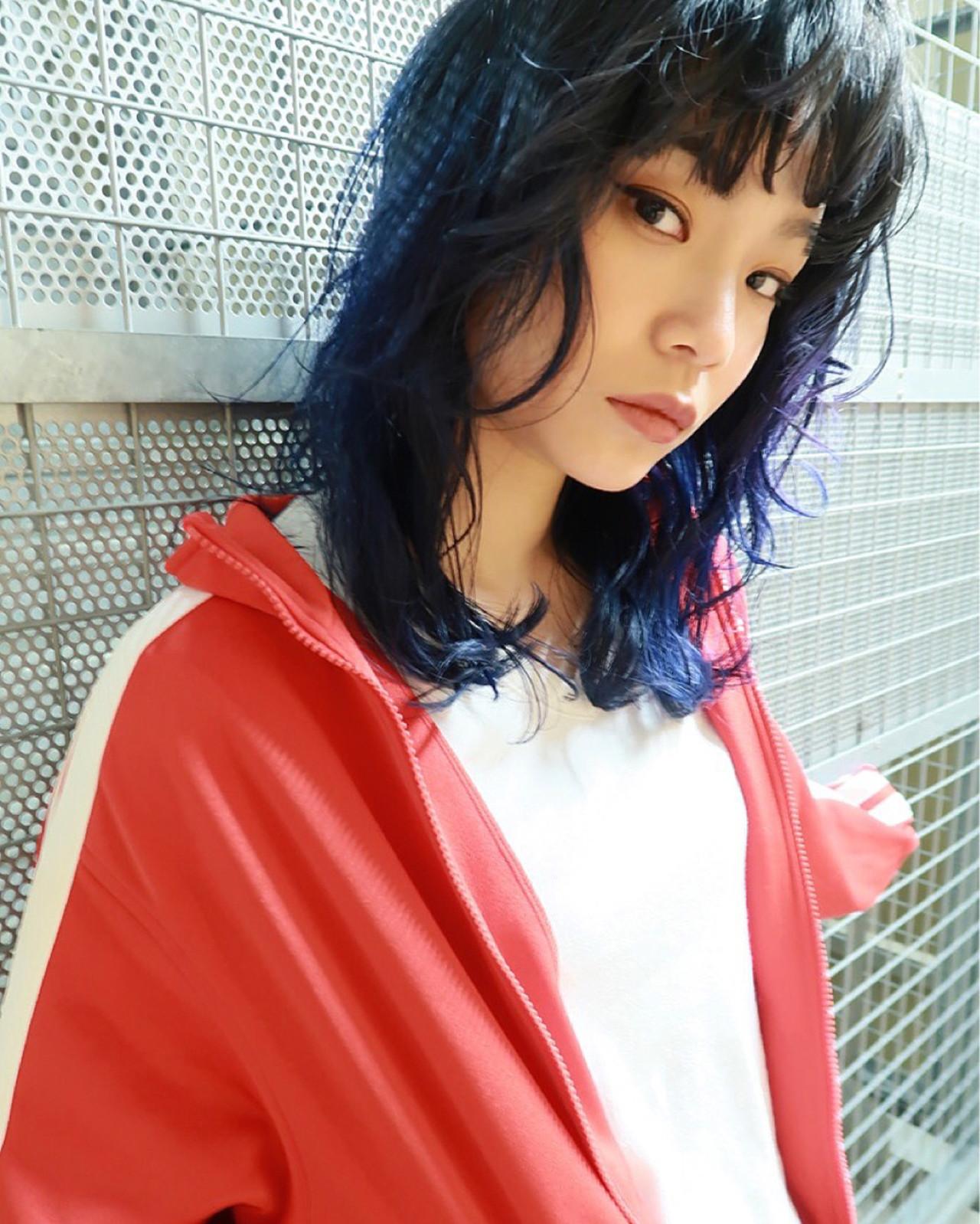 イルミナカラー 秋 透明感 セミロング ヘアスタイルや髪型の写真・画像