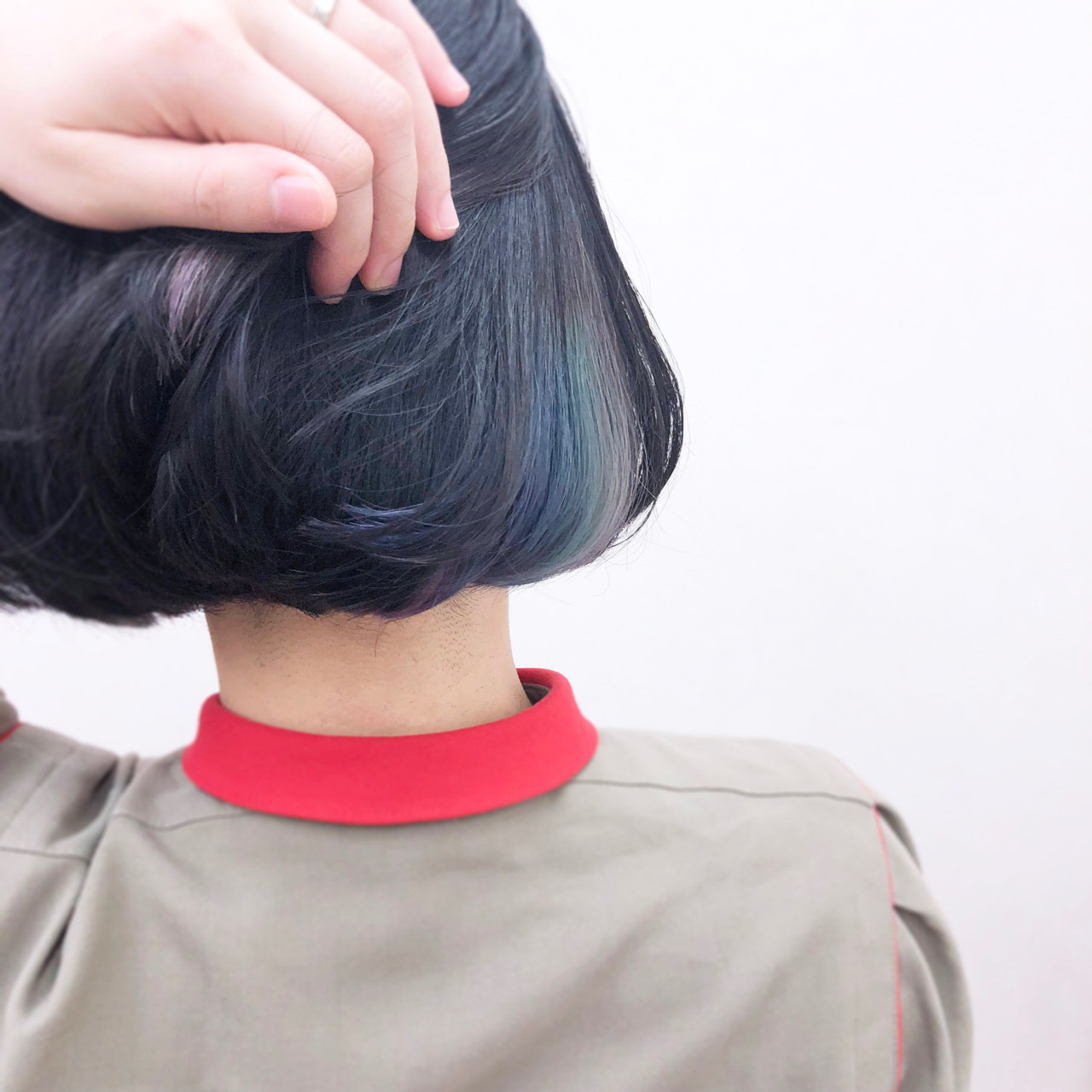 青紫のインナーカラーでクールな印象に YSO