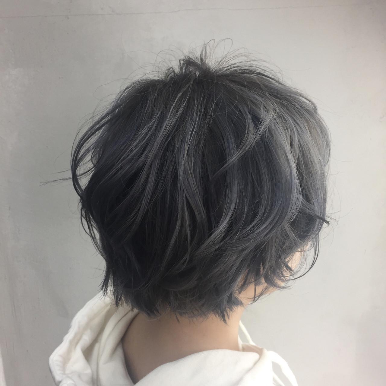 ショートヘアでも大人の色気を出してくれる暗髪アッシュ Misaki Arima | hair salon cocona