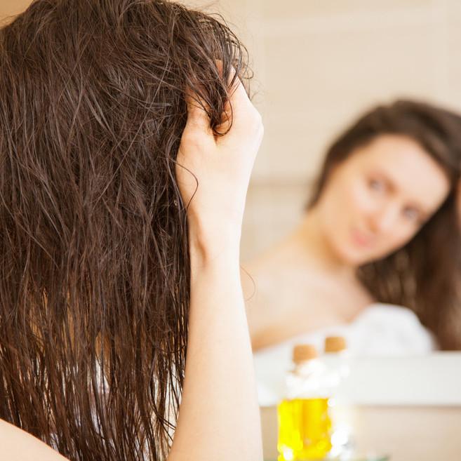 寝癖をパッと簡単に直したい!簡単直し方&予防法を知って寝癖を撃退