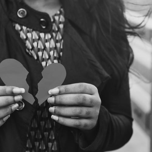 恋に未練は残さない。引きずらないための正しい別れ方