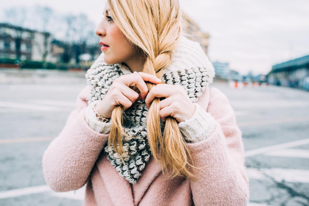大人の三つ編みは簡単、きれいめ、子供っぽくないがポイント
