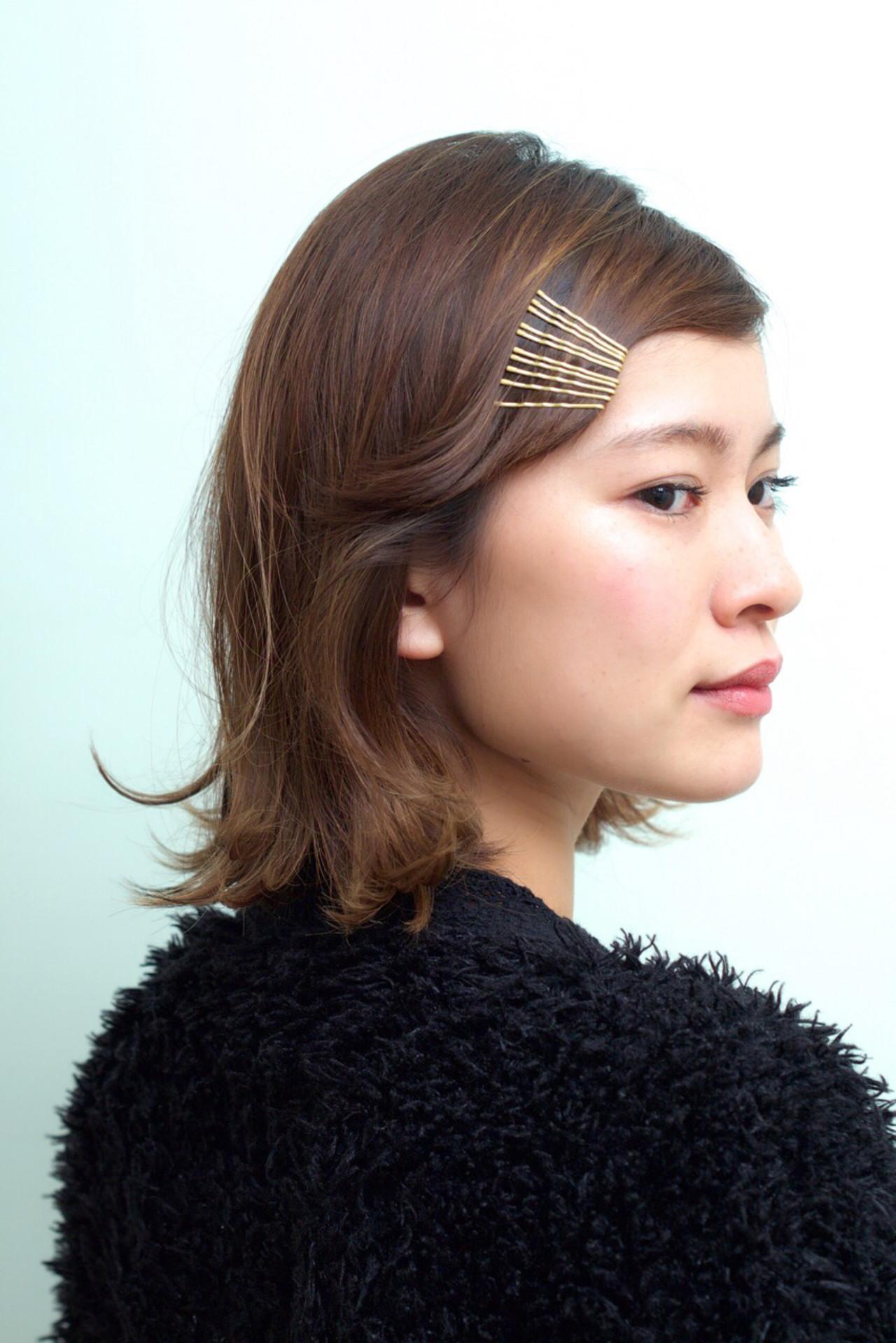 前髪で周りと差がつく!前髪の簡単ヘアアレンジ8選|【HAIR】