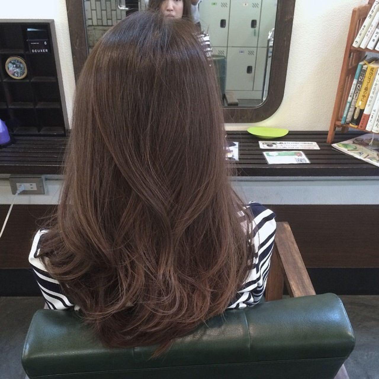 ブルーアッシュ イノセントカラー アッシュグレージュ グレージュ ヘアスタイルや髪型の写真・画像