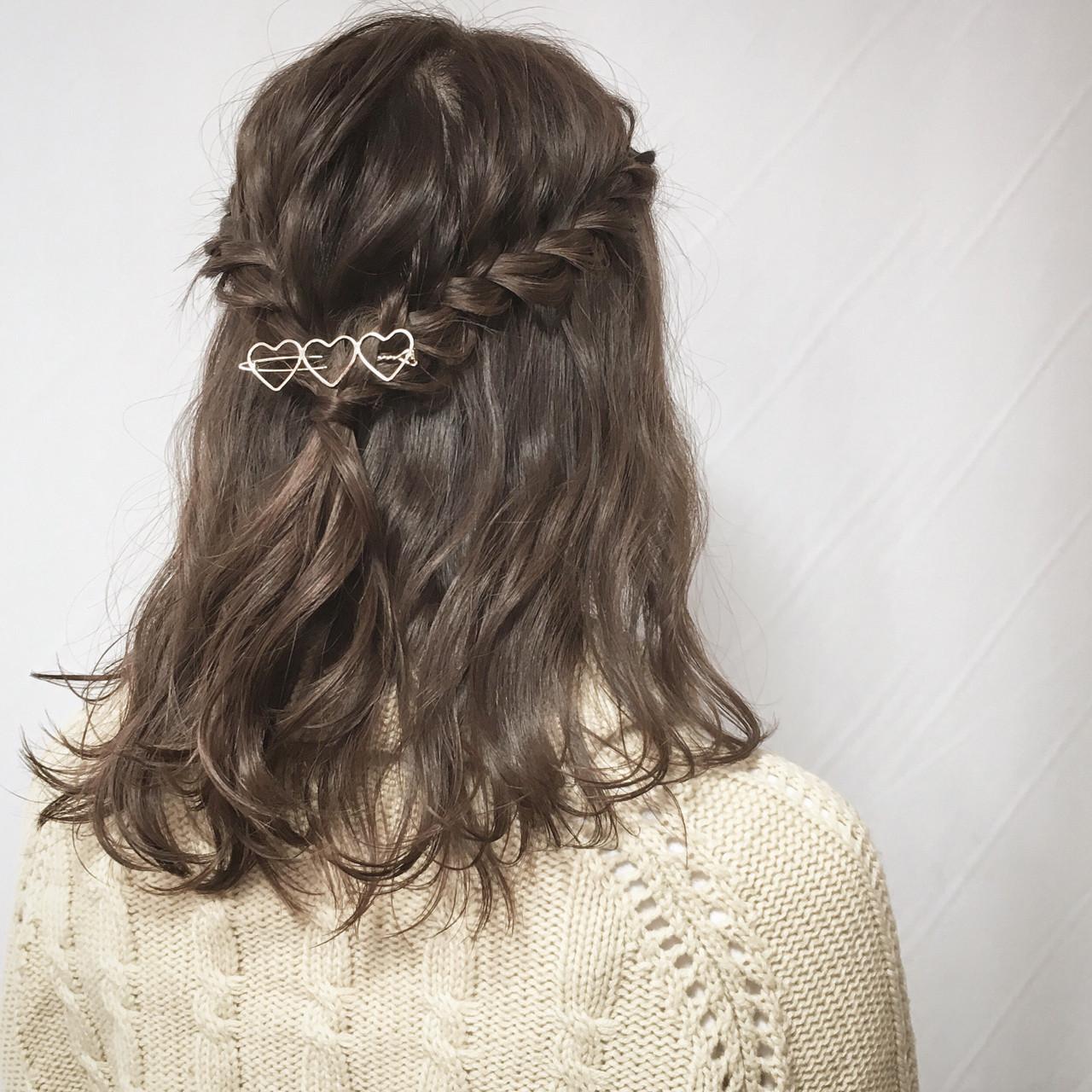 ガーリー 簡単ヘアアレンジ ミディアム 編み込み ヘアスタイルや髪型の写真・画像