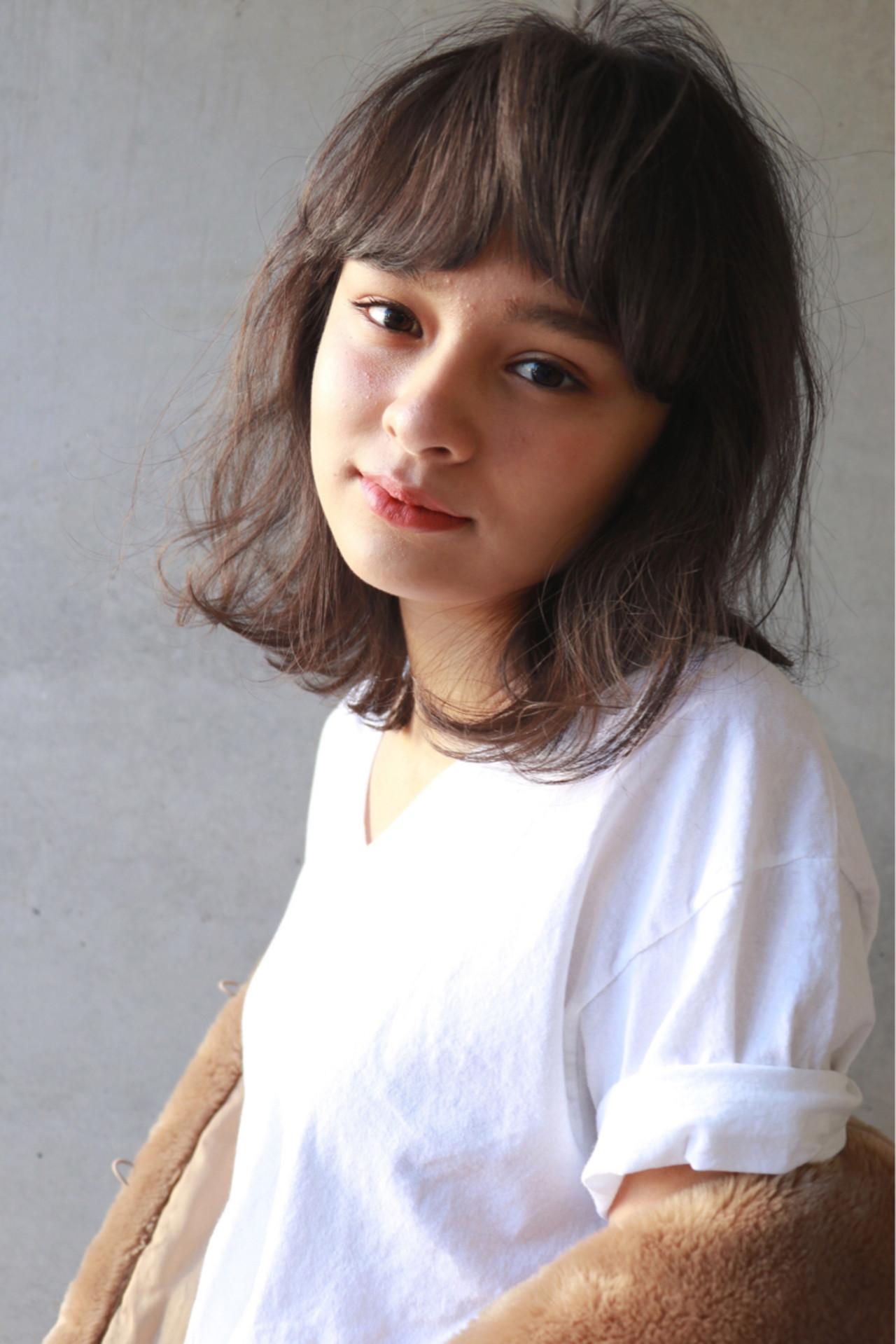 フェミニン ゆるふわ 暗髪 ミディアム ヘアスタイルや髪型の写真・画像