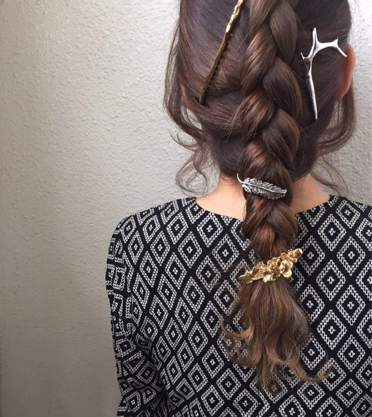裏編み込み 簡単ヘアアレンジ セミロング ヘアアレンジ ヘアスタイルや髪型の写真・画像