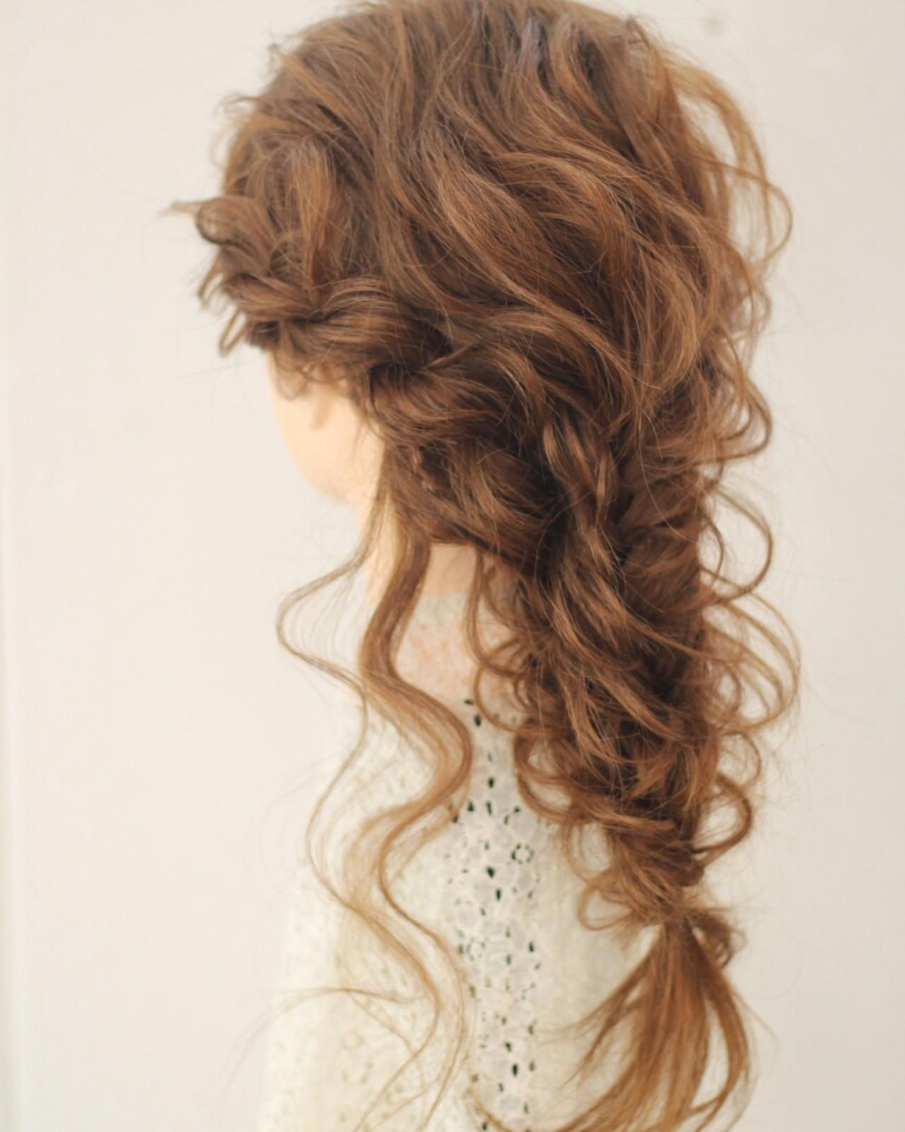 編み込み フェミニン 外国人風 フィッシュボーン ヘアスタイルや髪型の写真・画像