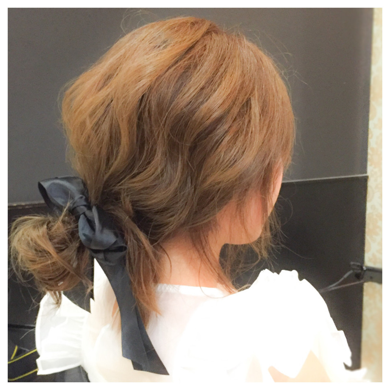 【セミロングアレンジまとめ】ストレートや巻き髪で垢抜けよう!