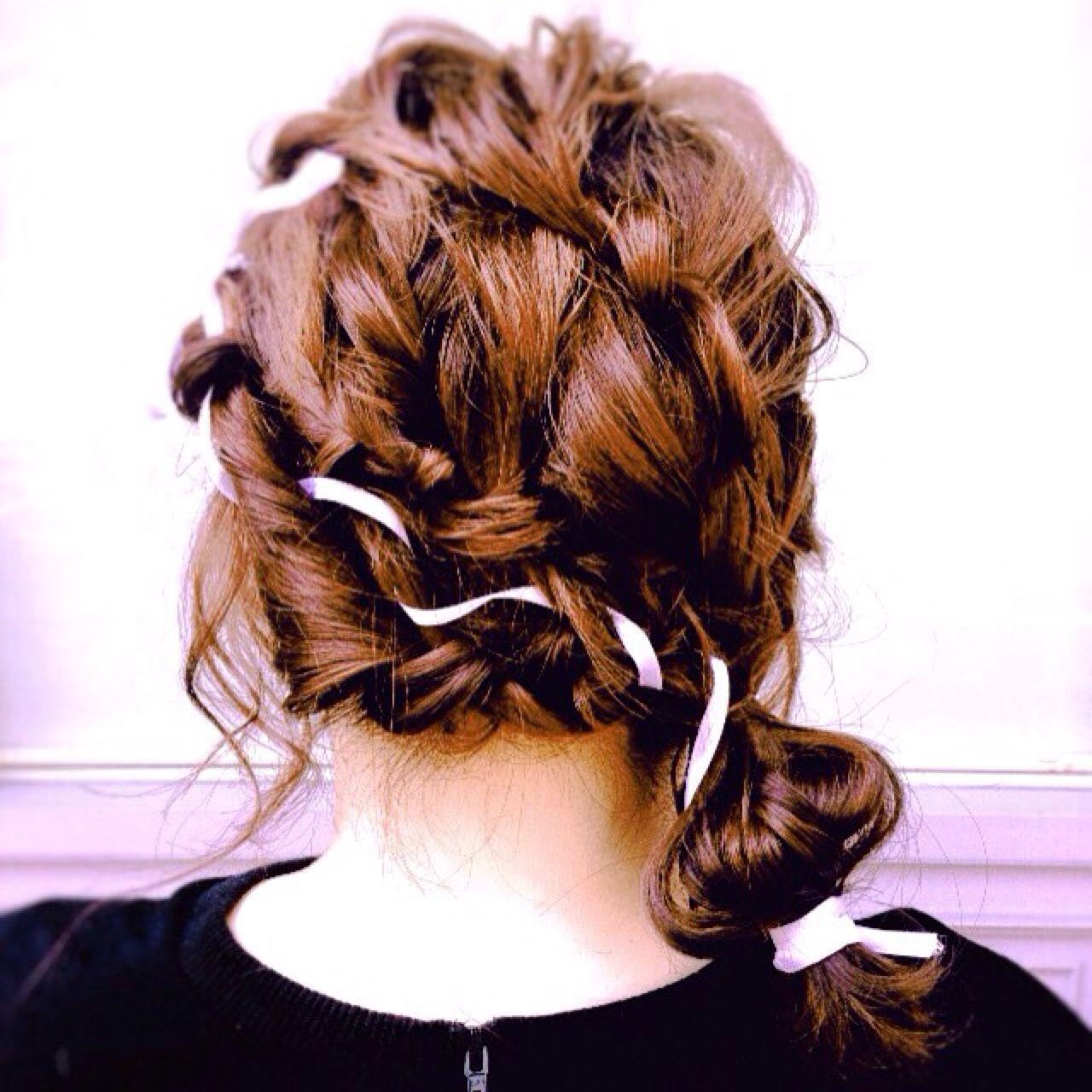 ナチュラル 編み込み ヘアアレンジ 結婚式 ヘアスタイルや髪型の写真・画像