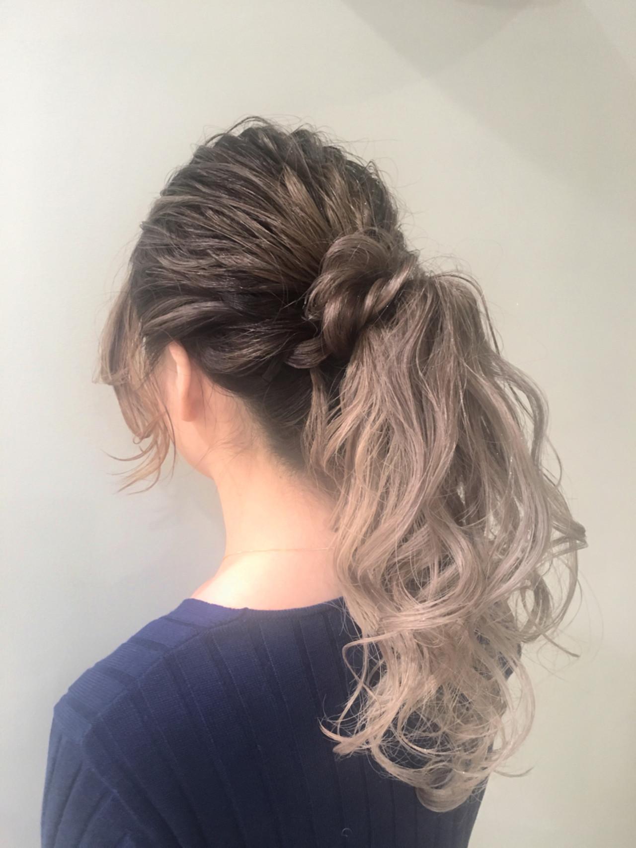 セミロング デート 外国人風 ポニーテール ヘアスタイルや髪型の写真・画像