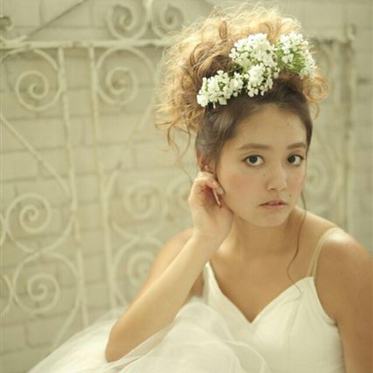 お花がたくさん♡結婚式にピッタリな華やかなヘアアレンジ特集 安井匡隆