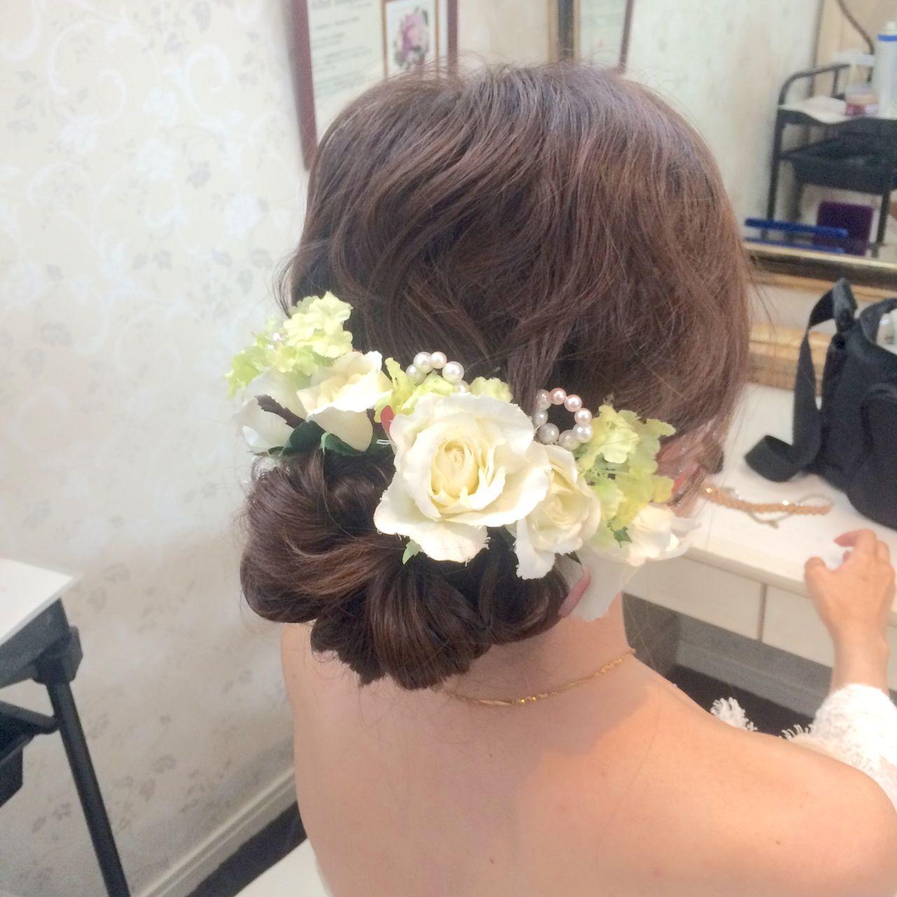 お花がたくさん♡結婚式にピッタリな華やかなヘアアレンジ特集 CRUSTY