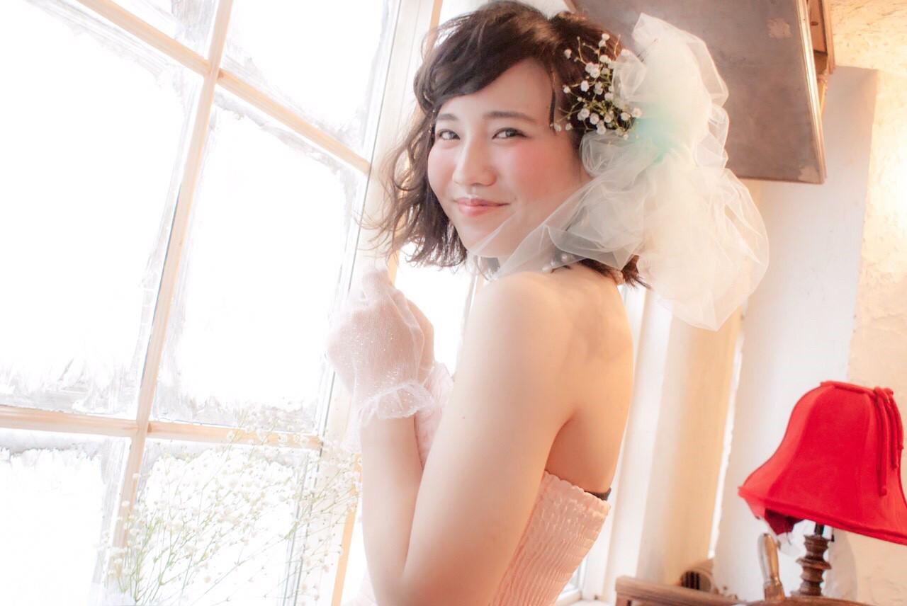 お花がたくさん♡結婚式にピッタリな華やかなヘアアレンジ特集 ひらめ。